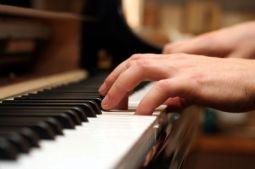 piano-keys.s600x600